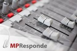 Imagem de mesa de som com logo MP Responde